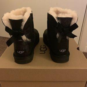 NIB UGG Mini Bailey Bow Sparkle Boots